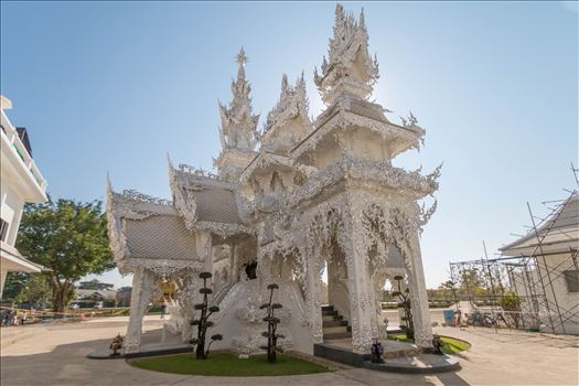 Wat Rong Khun 10 by AnnetteJohnsonPhotography
