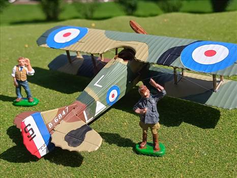 RFC Spad XIII-c1, no 23 squadron, Capt William M. Fry,Jan 1918 (Revell, 172 scale) by ScottUehl