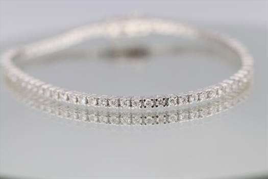 Precioustimeeu.com is the safest way to buy and sell jewelry at best price. Best collection of online jewellery shopping in France, Germany & UK. Order now today!  Visit here: - https://precioustimeeu.com/jewelry/
