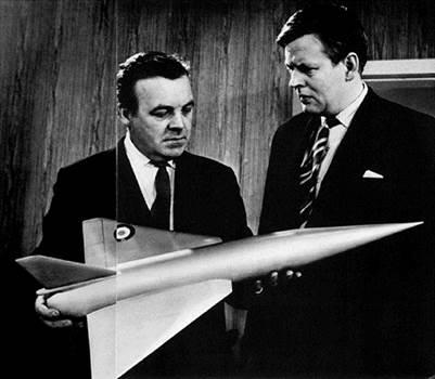 1963_PlaneMakers_PatWymark.jpg -