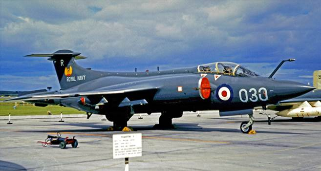 d_new_airfix_blackburn_buccaneer_s2_a06021_royal_navy_on_the_airfix_workbench_blog.jpg by RichardG