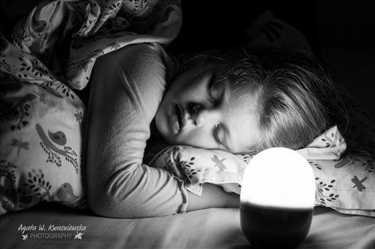 Artificial light by Agata W. Kwasniewska Photography
