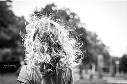 Curly hair -