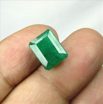 IMG_2016_6-31Cts_Emerald.jpg by shreekrishnagems