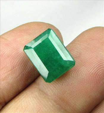 IMG_2016_6-31Cts_Emerald_th.jpg by shreekrishnagems