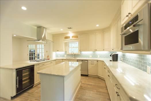 Modern Kitchen Cabinets.jpg by USACabinetStore