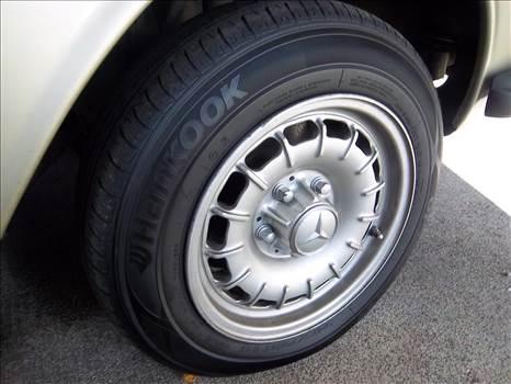 300 Front tire.JPG -