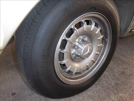 300 Rear tire.JPG -