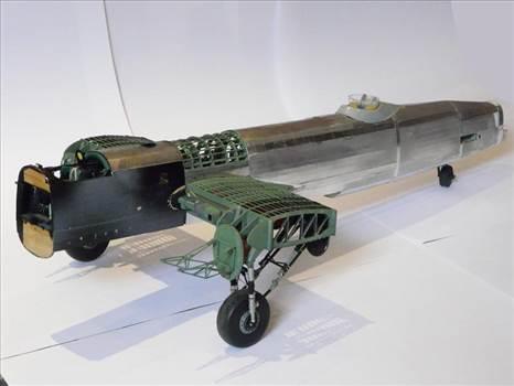 Building 1:32 scale Lancaster Bomber model