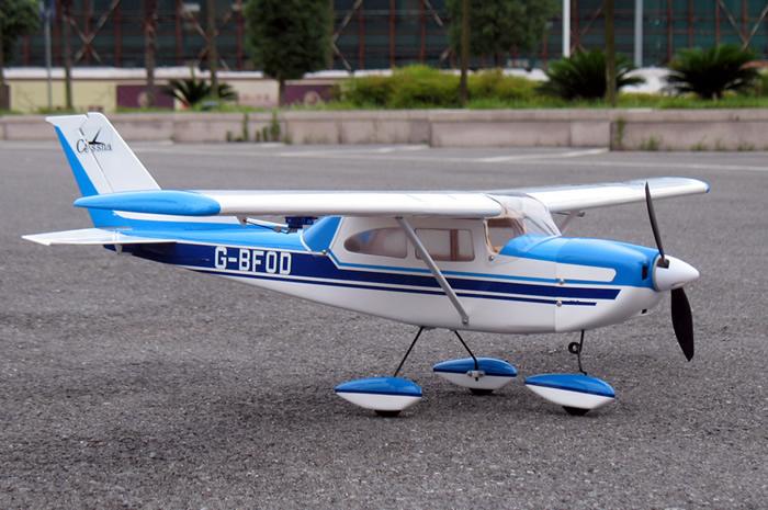 Avión a control remoto
