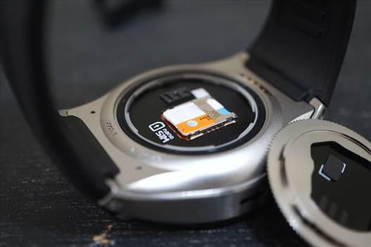 LG-Watch-Urbane-2nd-Edition-LTE-SIM.jpeg by erubio24
