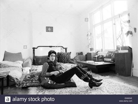 gary-holton-actor-and-singer-pictured-at-the-flat-he-shared-with-friend-ENW0XE_zpsa0bzoxri.jpg by Arthur Pringle