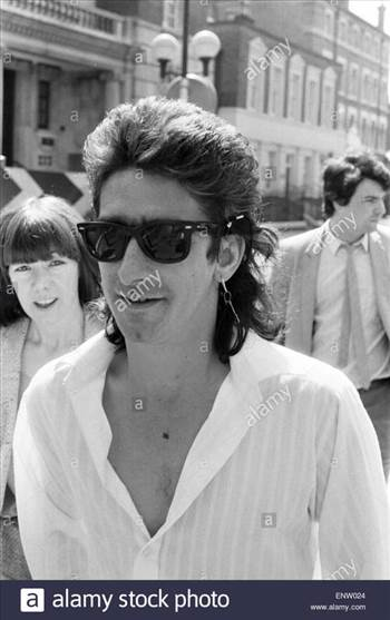 gary-holton-actor-pictured-outside-clerkenwell-magistrates-court-where-ENW024_zps60gebcfb.jpg by Arthur Pringle