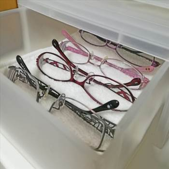 Glasses_480.jpg by Cantaloupe1
