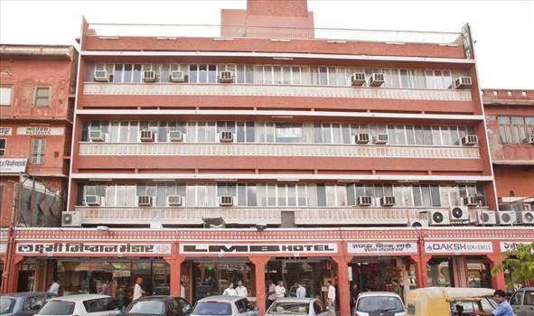 LMB Hotel at the front - One of the most traditional Budgets Hotels in Jaipur, LMB Hotel is a sign of excellence in the Hotel Industry and is high regarded in the Tourism Sector.