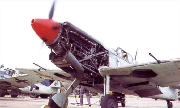 TM100B_closeup_of_Merlin_in_ME109.jpg by jamieduff1981