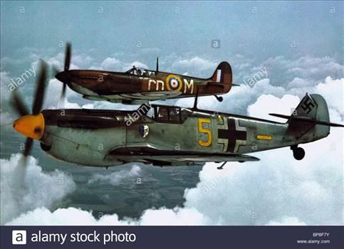 spitfire-messerschmitt-me-109-battle-of-britain-1969-BP8F7Y.jpg by jamieduff1981