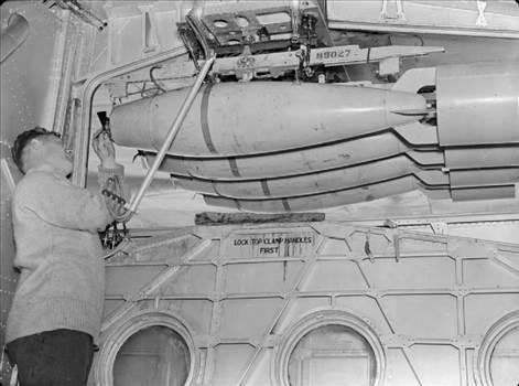 Sunderland Mk I N9027 Bomb bay.jpg by LDSModeller
