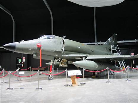 A4 Skyhawk at MOTAT June 2012.jpg by LDSModeller