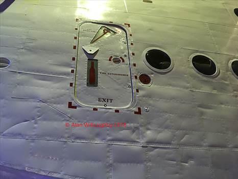 NZ4115 Main hatch outer copy.jpg -