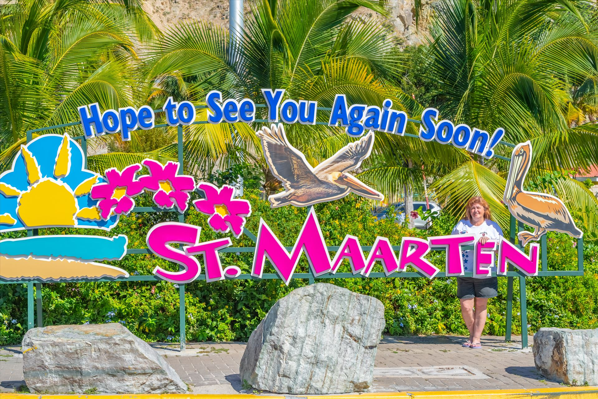 St. Maarten Lisa at the hope to see you again soon sign by Terry Kelly Photography