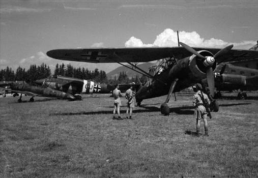 German_utility_aircraft_in_Austria_1945.jpg by Roman Schilhart