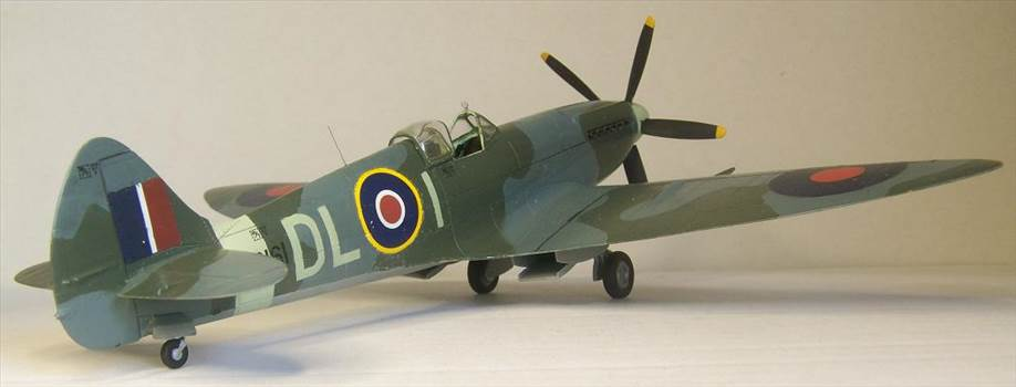 Airfix Spitfire XIVc 5.JPG by Alex Gordon