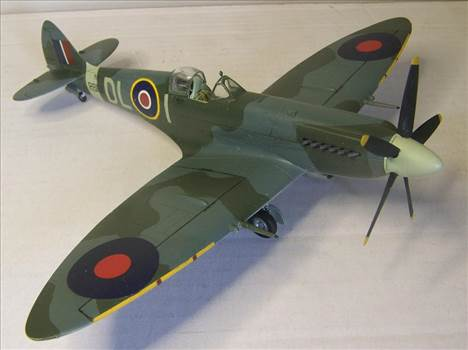 Airfix Spitfire XIVc 1.JPG by Alex Gordon
