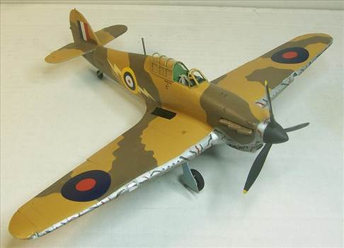 Airfix Hurricane Trop 4.JPG by Alex Gordon