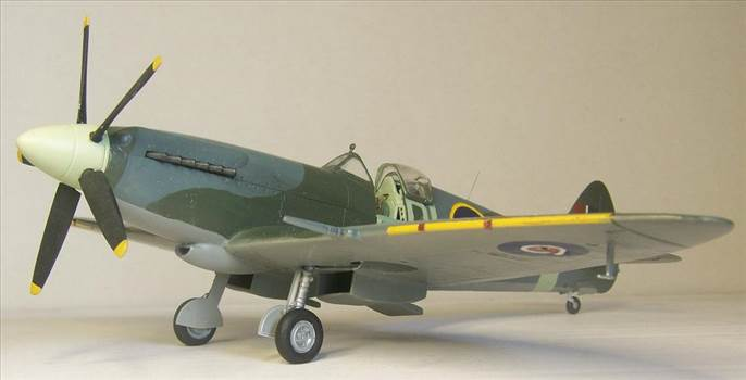 Airfix Spitfire XIVc 7.JPG by Alex Gordon