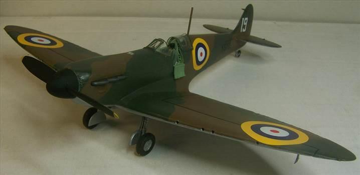 Airfix Spitfire I 2.JPG by Alex Gordon