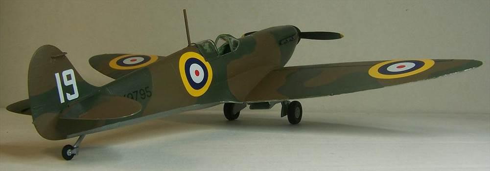 Airfix Spitfire I 8.JPG by Alex Gordon