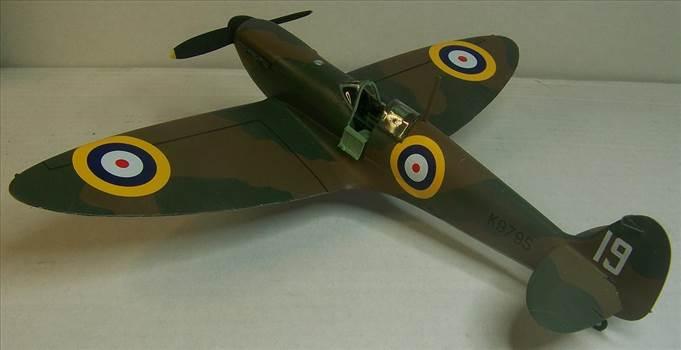 Airfix Spitfire I 3.JPG by Alex Gordon