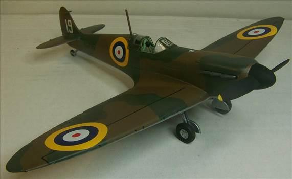 Airfix Spitfire I 1.JPG by Alex Gordon