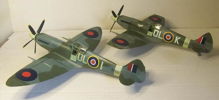 Airfix Spitfire XIVc 10.JPG by Alex Gordon