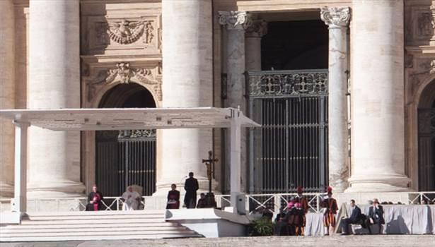 Pope address Ash Wednesday 4.JPG by Gregvert