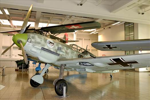 Bf-109E-3_at_Deutsches_Museum.png -