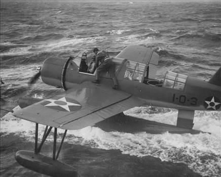 VO-1 x- OS2U - 9-6-1941 - 80-G-066108.jpg -