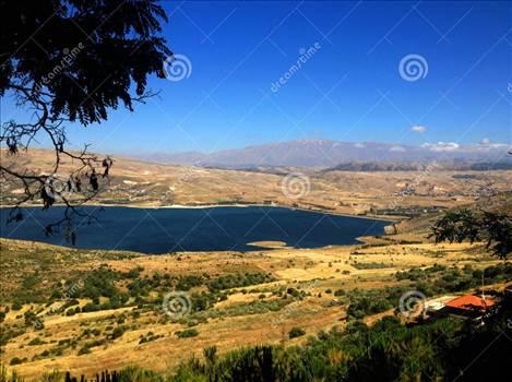 lebanese-landscape-bekaa-valley-beqaa-bekaa-valley-baalbeck-lebanon-highway-58564370.jpg by modeldad