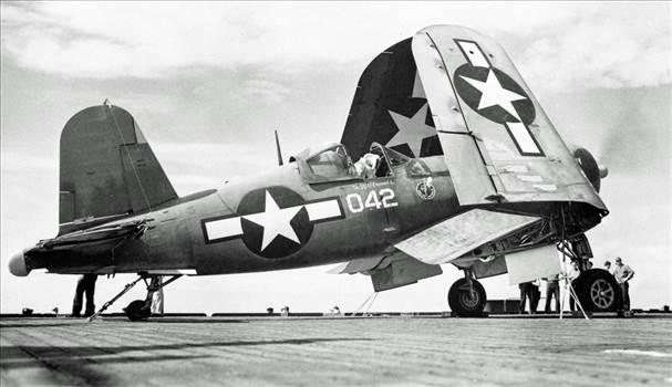 F4U-1A 50042 VMF-321 USS Kwajalein June 1944 (Hank Weimer).jpg -