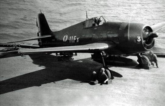 F6F_11F_3_Couthures.jpg -