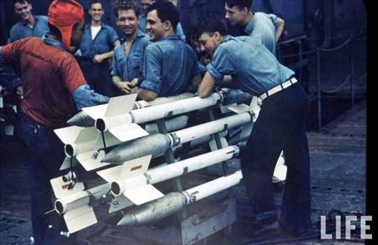 Rockets_Color_USN.jpg by modeldad