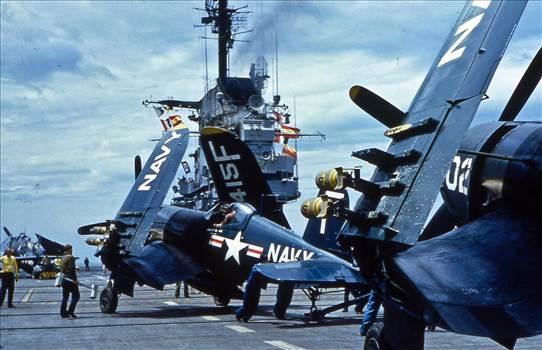 USS_Champlain_1953x.jpg -