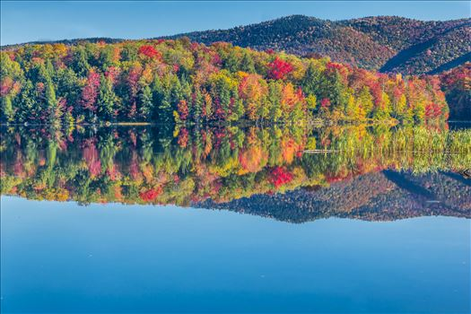 Vermont Fall Foliage - Vermont Lake in Beautiful Fall Colors