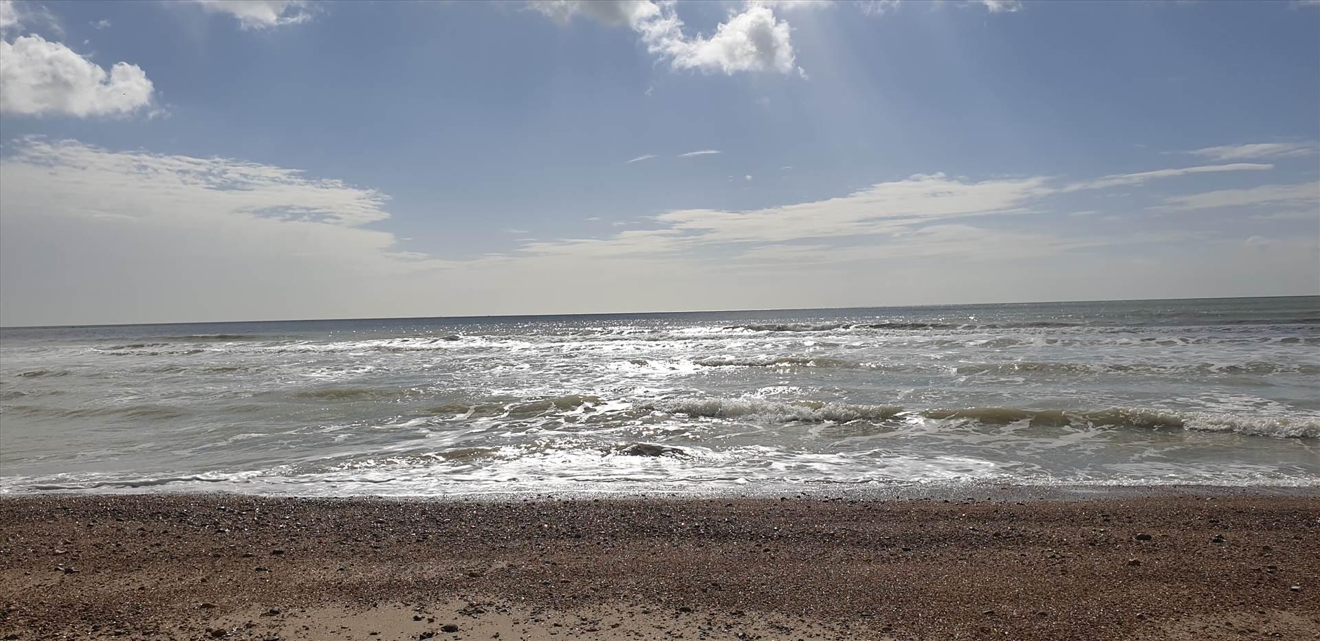 Littlehampton West Beach 18 Mar 2019.jpg  by Mo
