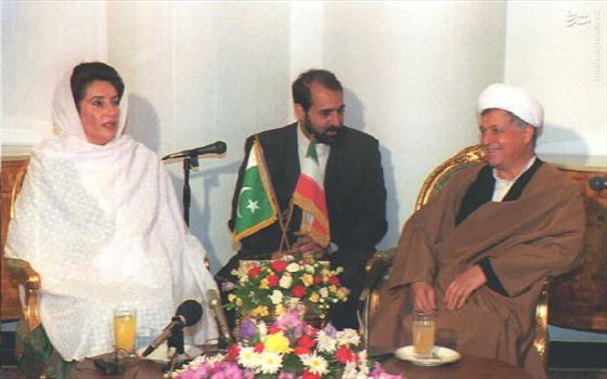 77670590_86150082cfbad.jpg - دیدار هاشمی رفسنجانی و بی نظیر بوتو