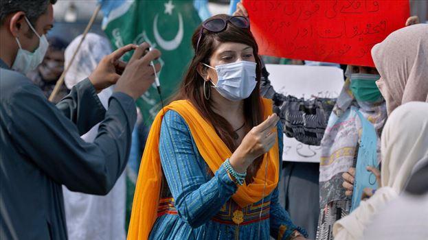 Pakistan Women Journalists Under Attack by mohsen dehbashi
