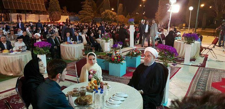 photo_۲۰۱۸-۰۳-۲۰_۲۱-۲۱-۵۲.jpg - رییس جمهور لحظات تحویل سال در کنار کودکانی که در زلزله کرمانشاه خانواده  خود را از دست دادند.