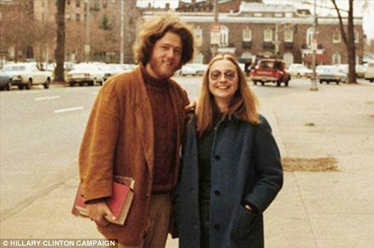 4942743_914.jpg - بیل و هیلاری کلینتون در سال 1970