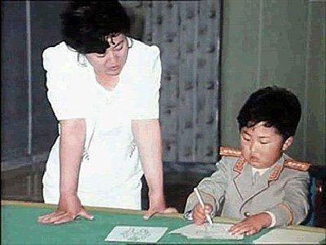 photo_2017-09-09_22-39-42.jpg - كودكي كيم جونگ اون، رهبر كره شمالي و مادرش